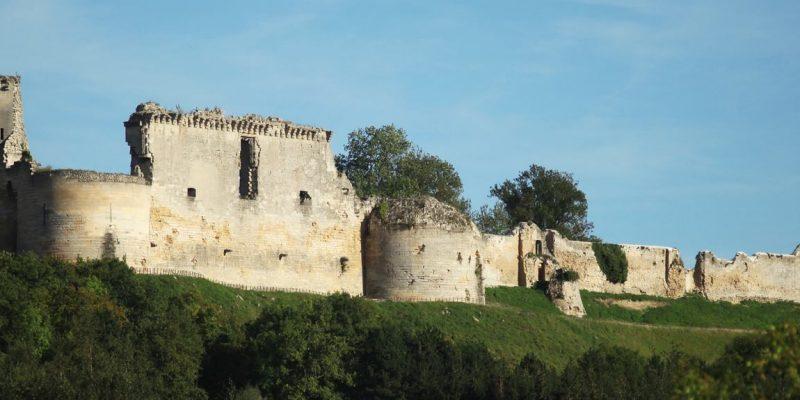 Marché paysan Coucy Le chateau le premier Dimanche de chaque mois